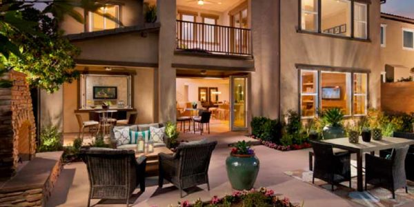 The Community Has Resort Style Pools, 2 Recreation Centers, An Outdoor  Kitchen, ...